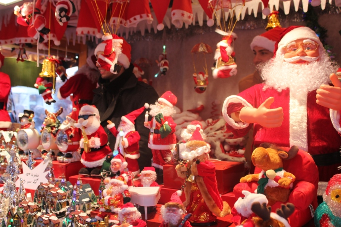 Lots of Santas.